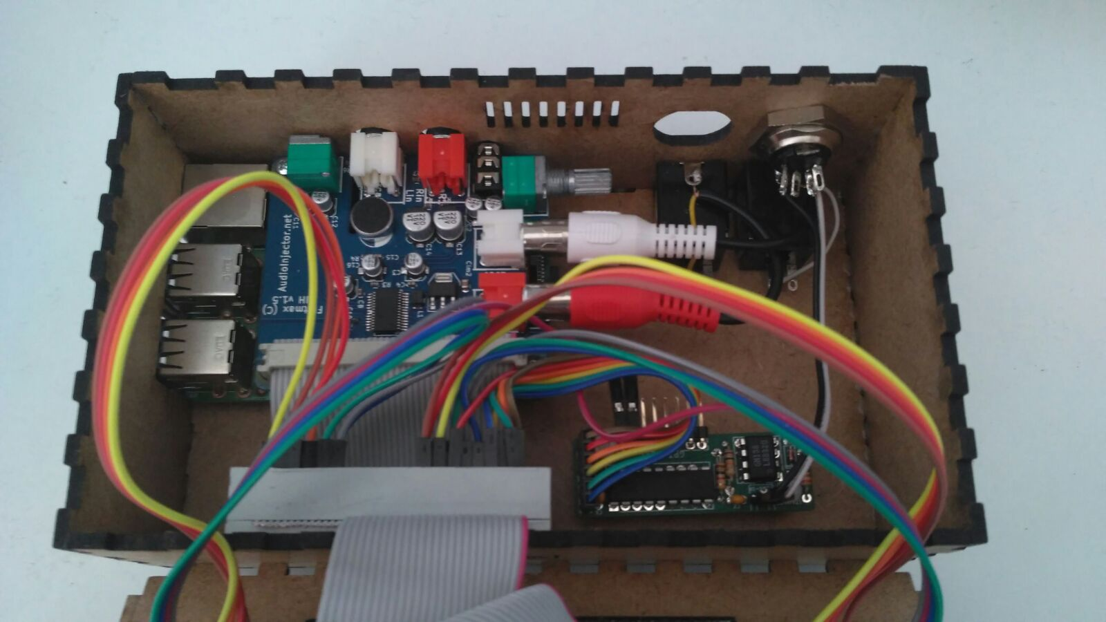 Zynthian Box with Audio-input (Audioinjector soundcard) - Building
